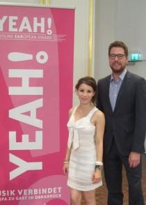 YEAH! Jugendmoderatorin Dara-Lisa Szielinksi und Ko-Moderator Daniel Finkernagel